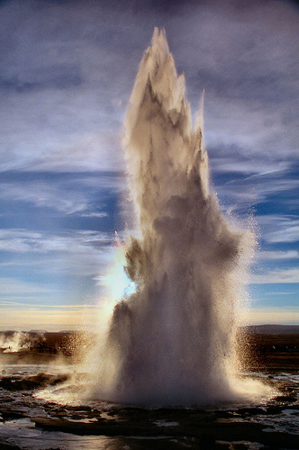 Strokkur geyser at Geyser, Iceland (photo: exfordy)