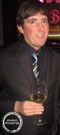 Lionel, servie clients ebookers, apprécie beaucoup les vins d'Afrique du Sud