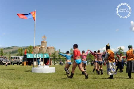 Danse de l'aigle après le combat lors du Nadaam