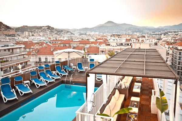 Plus de hauteur des bars et restaurants originaux situ s - Hotel nice piscine sur le toit ...