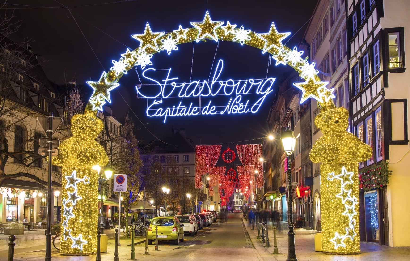 #AA8D21 PLUS DE MAGIE PLUS DE FETE : Les Meilleurs Marchés De  5517 décorations de noel strasbourg 1737x1105 px @ aertt.com