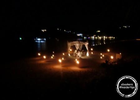 Abendessen am Strand im Pimalay Hotel